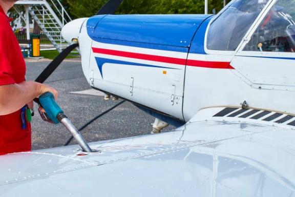 refueling plane